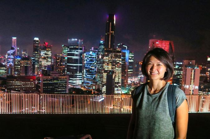 Private Historical Night Tour With River Cruise, Hawker Dinner & Singapore Sling