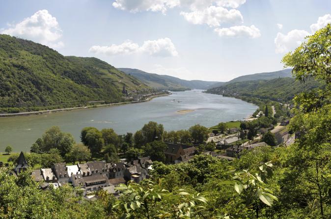 Frankfurt Supereconômica: excursão pelos destaques da cidade, além do cruzeiro pelo Vale do Reno e degustação de vinhos
