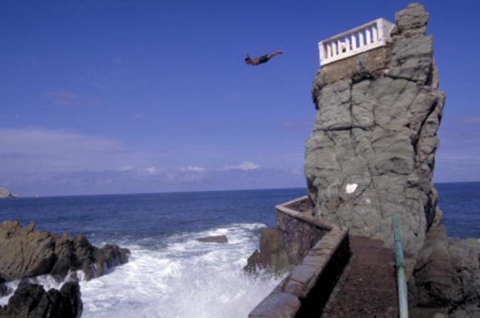 Mazatlan Shore Excursion: City Tour and Cliff Diving Show