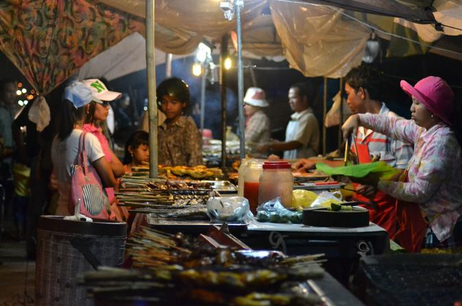 Siem Reap Street-Food Small-Group Evening Tour by Rickshaw