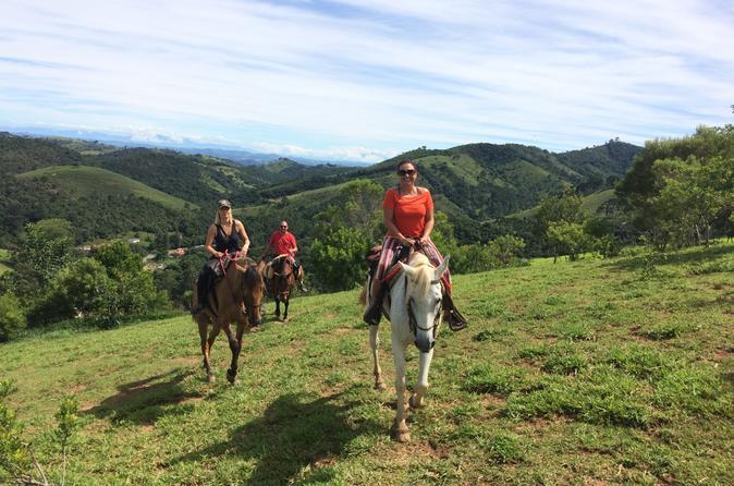 Passeio a cavalo para grupos pequenos em Paraty