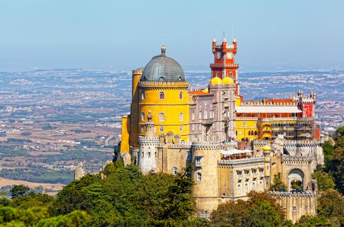 Lisbona Super economica: tour di 2 giorni per piccoli gruppi a Sintra, Cascais, Fatima, Nazare e Obidos