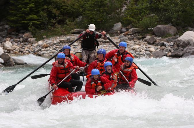Whitewater rafting on kicking horse river in lake louise 104732