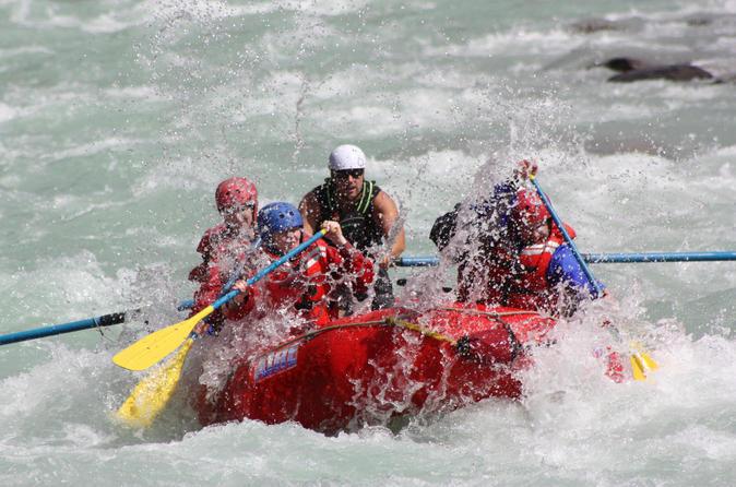 Sunwapta challenge whitewater rafting class iii rapids in jasper 431466