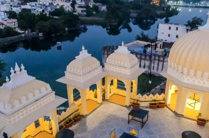 One-Way Private Transfer from Jodhpur To Udaipur with Ranakpur Jain temple