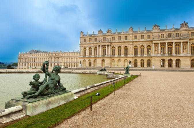 Skip the line versailles half day tour in versailles 115386