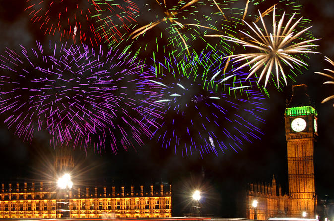 New Years Eve Thames River Cruise with 3-Course Dinner and Fireworks in London