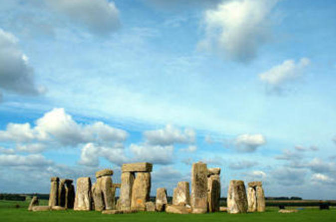 Simply Half-day Stonehenge Trip with Japanese Audio Guide
