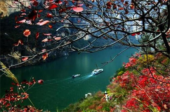 4-Day Century Sun Yangtze River Cruise Tour  from Chongqing to Yichang
