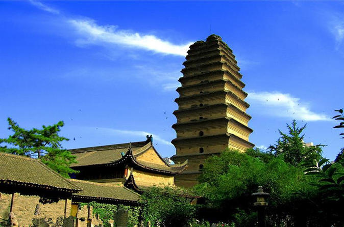 6-Day Xi'an Sightseeing and Deluxe Yangtze River Cruise Tour including Airfare from Xi'an to Chongqing