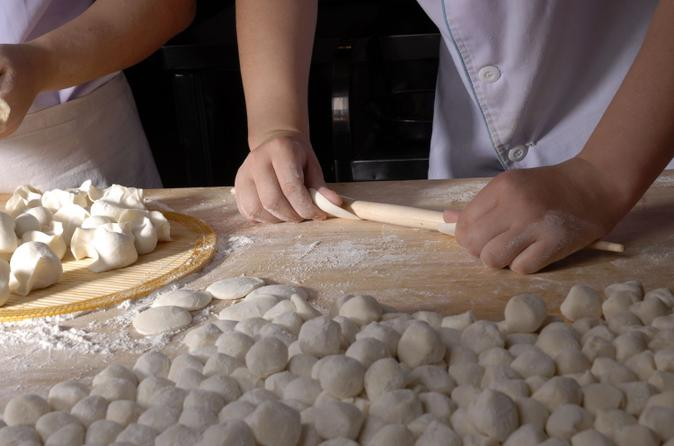Experience xi an dumpling making and family cooking class in xian 109266