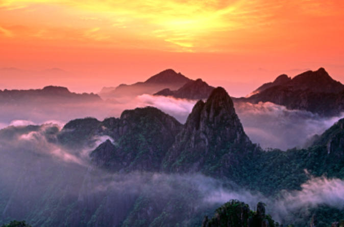 8-Day Eastern China Private Tour: Shanghai, Suzhou, Hangzhou and Huangshan