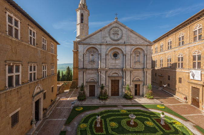 Private Tour: Pienza and Montalcino Organic Cheese and Wine Tour