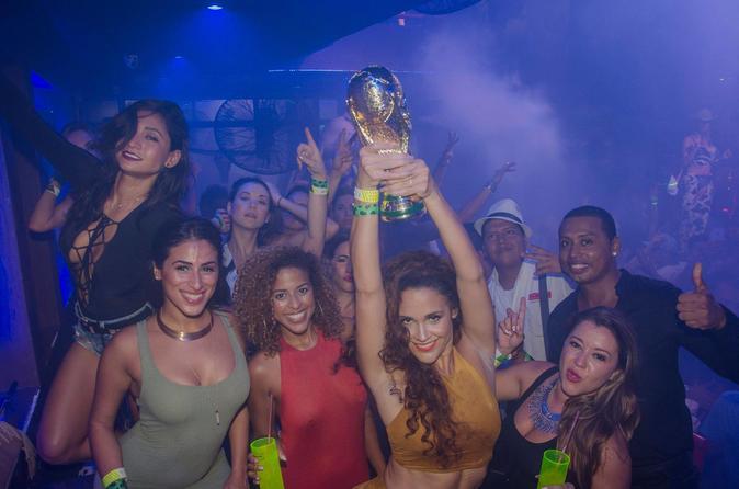 Cancun nightlife girls