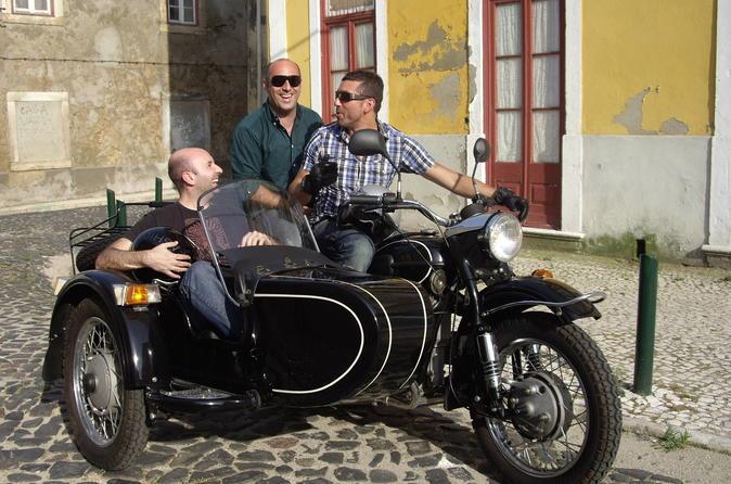 Tour privato: Il meglio di Lisbona in sidecar