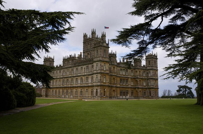 """Downton Abbey"" Highclere Castle und Capability Brown-Führung ab London"