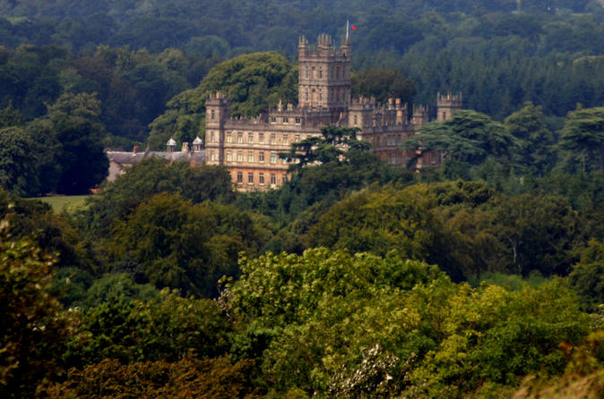 Small-Group 'Downton Abbey' and Highclere Castle Tour from London