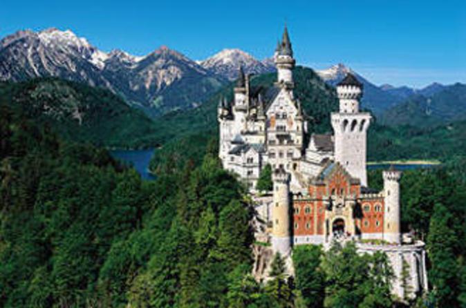 Neuschwanstein, Linderhof Full Day Sightseeing Tour from Munich - self guided tour (Japanese)