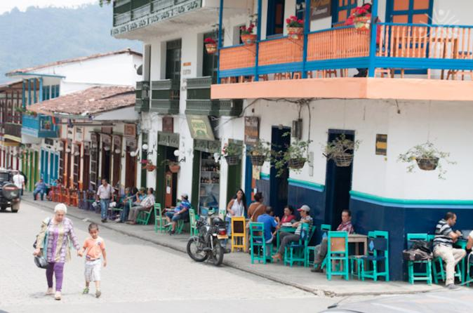 Overnight Tour from Medellin: Santa Fe de Antioquia and Jardín