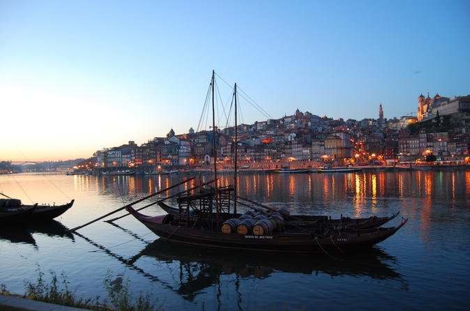 City tour matinal na cidade do Porto de 4 horas com cruzeiro de seis pontes e degustação de vinhos