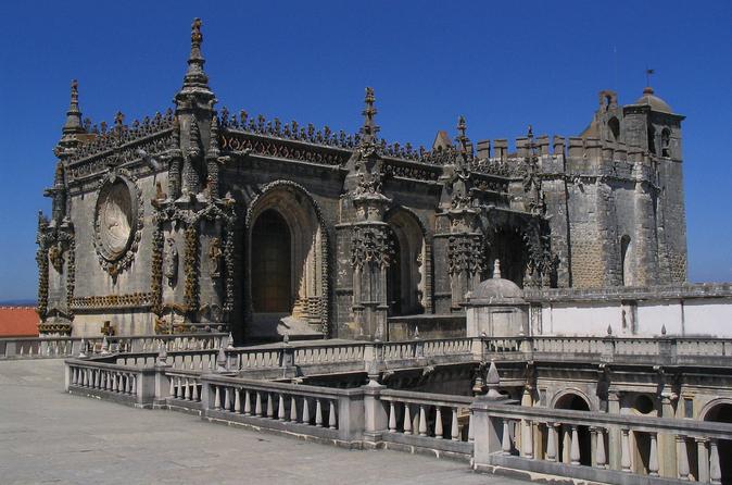 Excursão de 6 dias ao norte de Portugal: Porto, Braga, Fátima, Coimbra, Guimarães, Aveiro e Batalha saindo de Lisboa