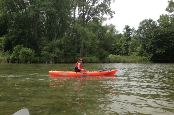 Guided kayaking tour on niagara river from the us side in niagara falls 182809