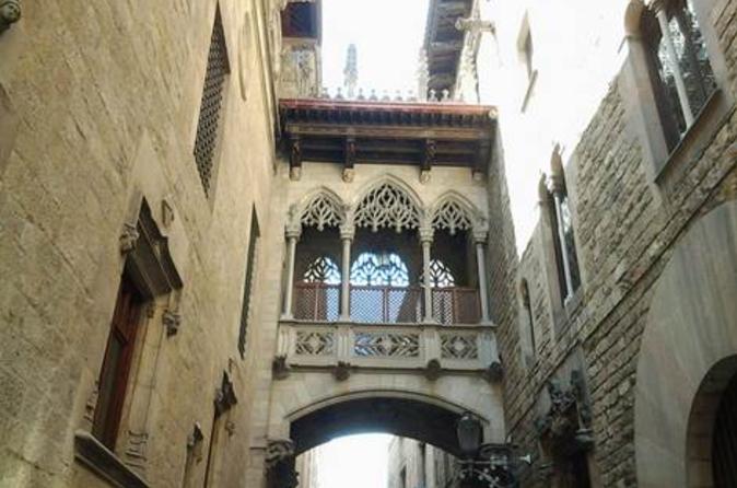 Excursão a pé sobre as histórias e lendas do Bairro Gótico