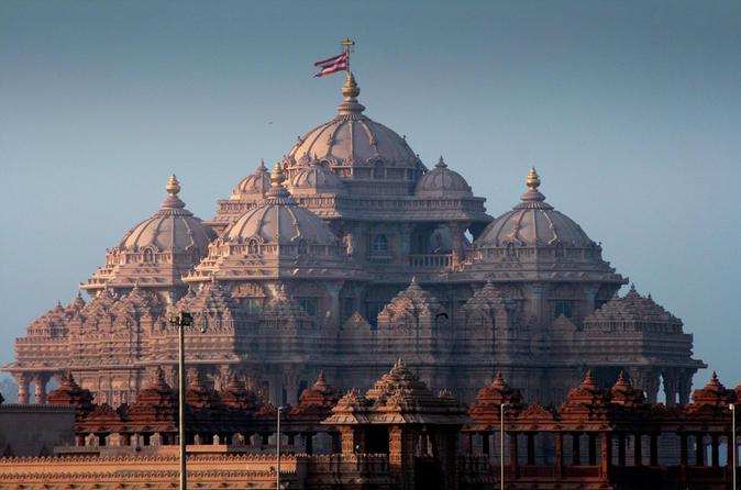 Spiritual Morning Walking Tour of Akshardham Temple and the Garden of India