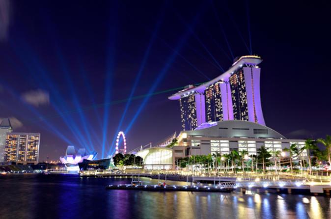 Excursão turística noturna em Cingapura com cruzeiro de barco pelo rio em Cingapura