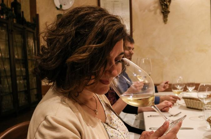 Meet a Sommelier: Wine Tasting and Food Pairing Class in Rome