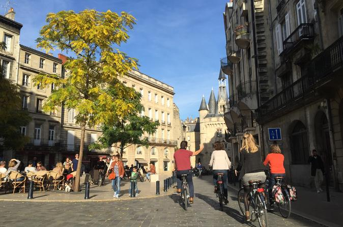 Small group bike city tour bordeaux in bordeaux 279144