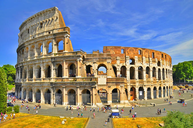 Skip the Line Colosseum and Roman Forum with private guide