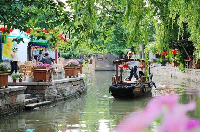 Private Shanghai City and Zhujiajiao Combo Tour with Boating, Tea Tasting, Lunch