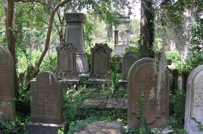 Small Group Haunted History Walking Tour of Charleston