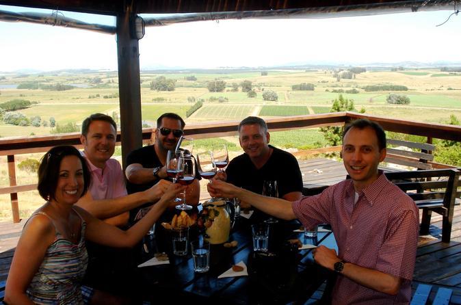 Excursão privada para grupos pequenos: Excursão vinícola ao pôr do sol saindo de Punta del Este