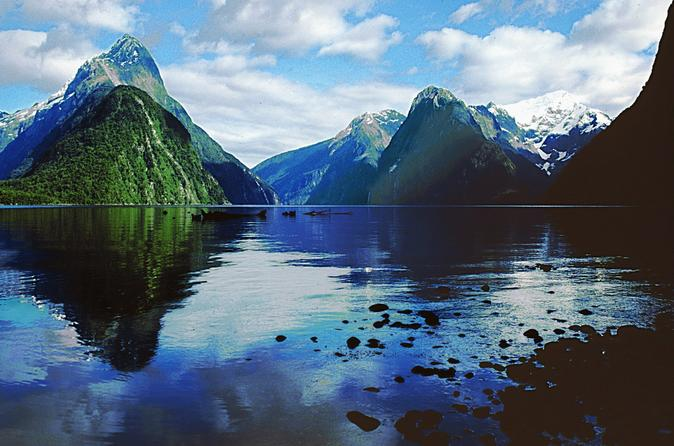 Milford Sound Discovery Cruise & Tour from Queenstown (Small Groups)