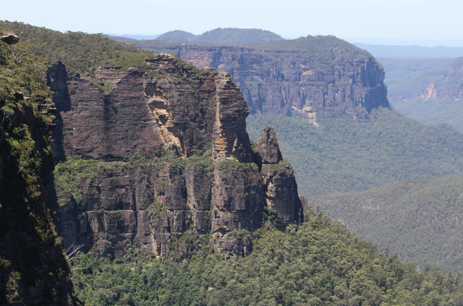 Best Blue Mountains Tour For Backpackers