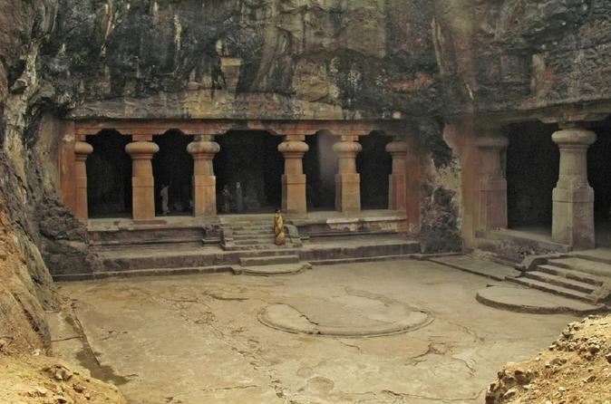 Excursion tour of Elephanta Caves in Mumbai