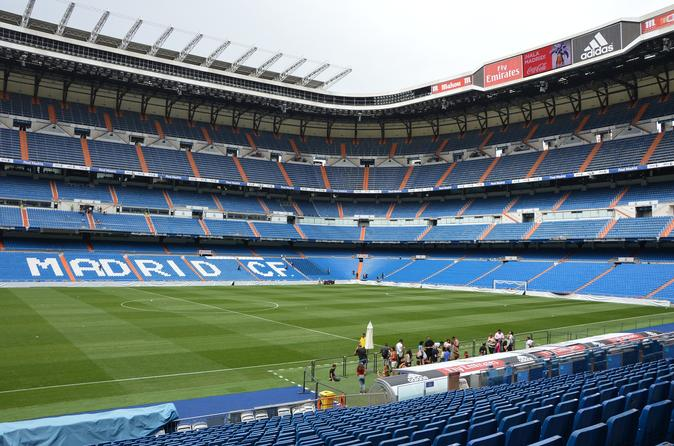 Skip-The-Line Santiago Bernabeu and Real Madrid Tour with lunch with pitch views