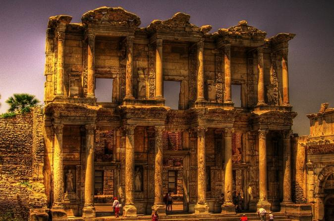 Ephesus and Ephesus Museum for Archaeology Lovers Tour from Izmir with Privat...