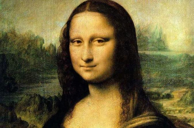 Skip-the-Line Louvre Ticket and Montmartre Art Walking Tour Double Feature