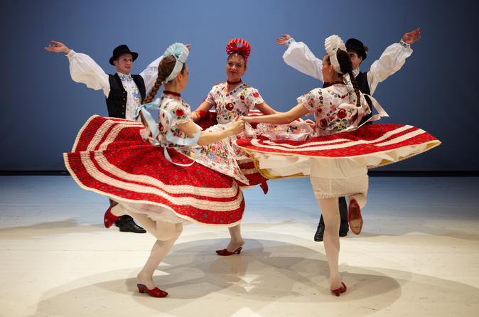 Apresentação de folclore húngaro em Budapeste