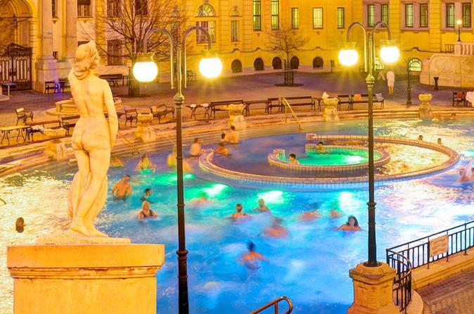 Bagni Termali Di Rudas Budapest : Eintritt in das budapest szechenyi bad mit vip massage
