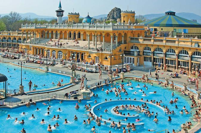 Entrada particular para o Széchenyi Spa em Budapeste com massagem opcional