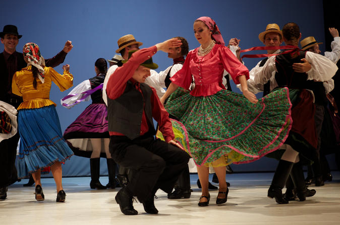 Show de folclore em Budapeste e Cruzeiro com jantar no Danúbio