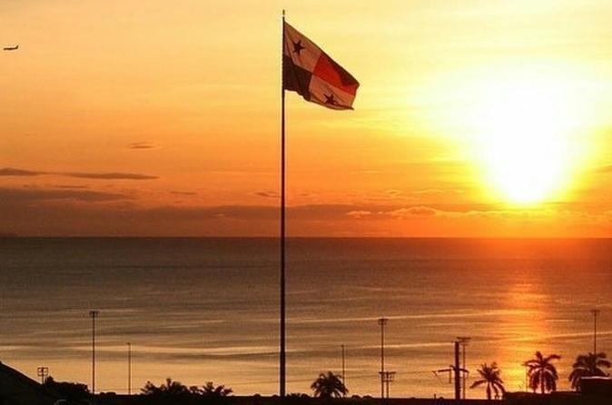 Traslado privado do Aeroporto de Tocumen para o centro da Cidade do Panamá, Panamá