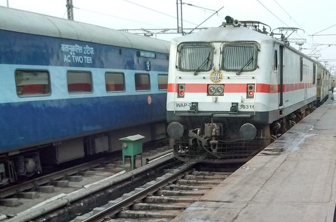 Private Departure transfer: Delhi hotel to Railway station