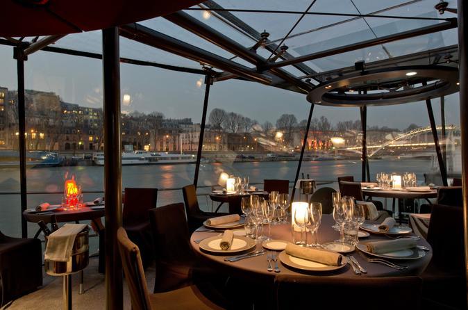 Cruzeiro fluvial com jantar Bateaux Parisiens Seine