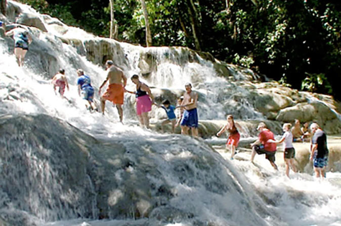 Private Tours from Montego Bay to Dunns River Falls and Blue Hole