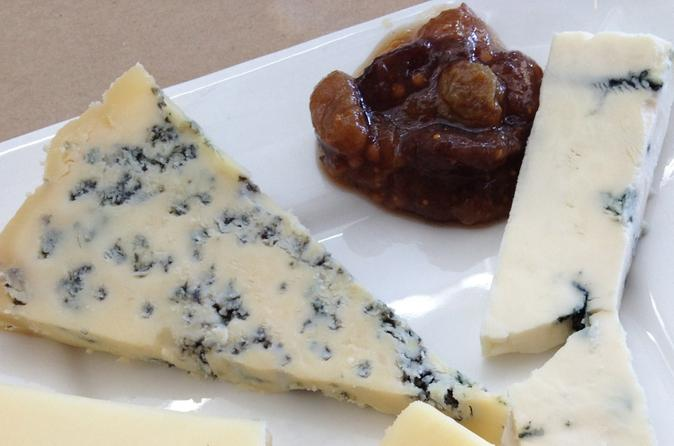 Behind-the-Scenes Cheese Tasting Tour in Marin